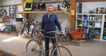 Fietsenmaker Joep Salden vindt het eeuwige recyclen van fietsen niks.