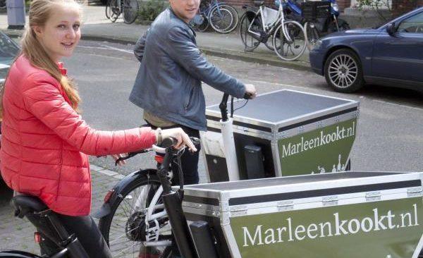 Bezorgers van MarleenKookt met bakfietsen