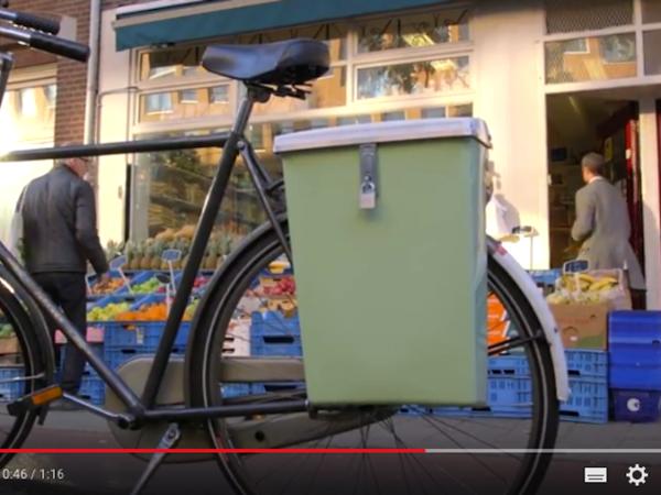 Rosa fietskoffer