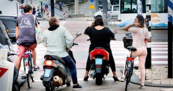 Scooters en fietsen in Rotterdam