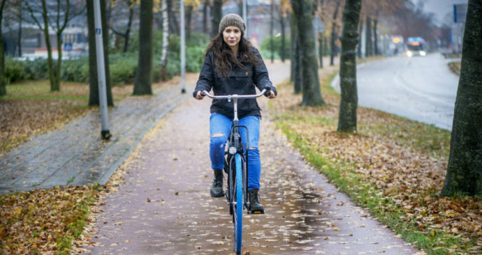 Lucia Requena op Swapfiets fietsersbond