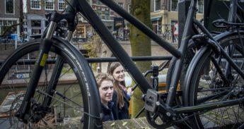 Rob van den Enk en Roxanne ter Haar van studentenvereniging Vidius in Utrecht