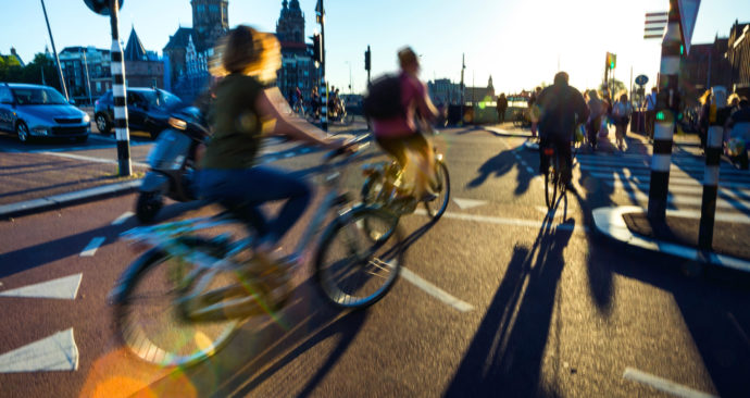 Kruispunt met fietsen in Amsterdam