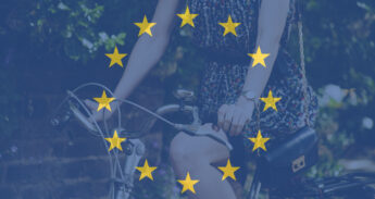 Montage: fietser met europese vlag