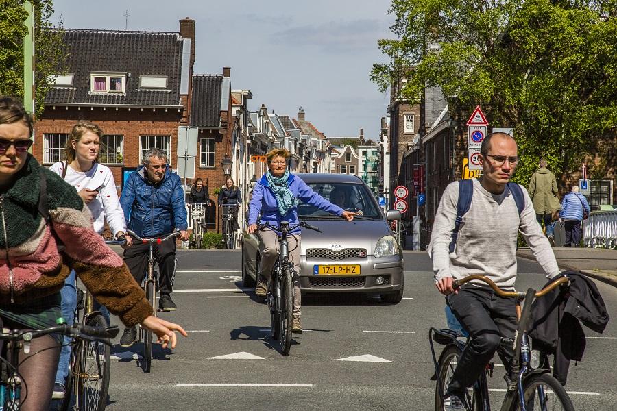 Hand uitsteken e-biketips