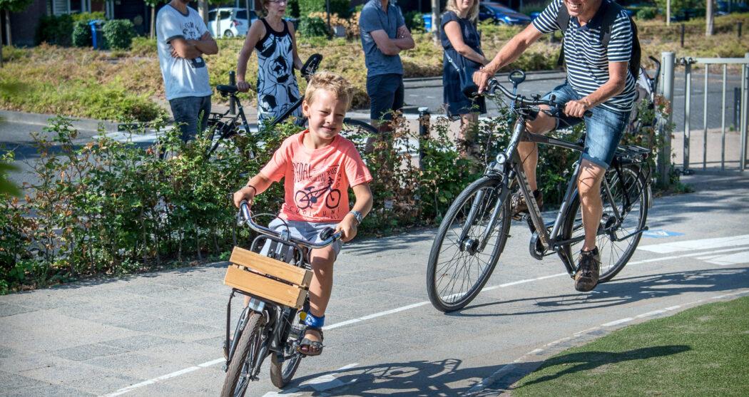 fietsende-schoolkind-03