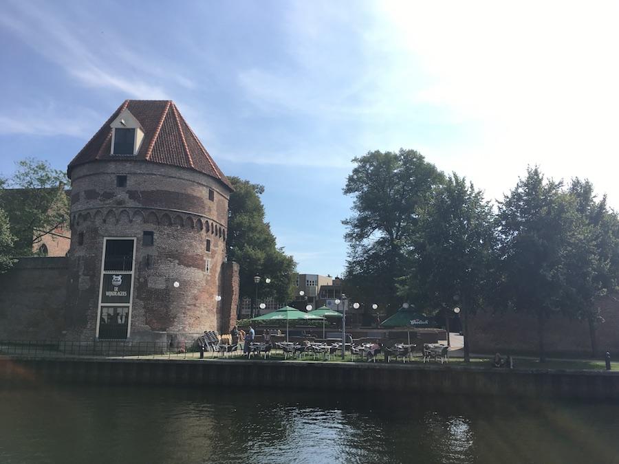 Wijndragerstoren in Zwolle vanaf de overkant
