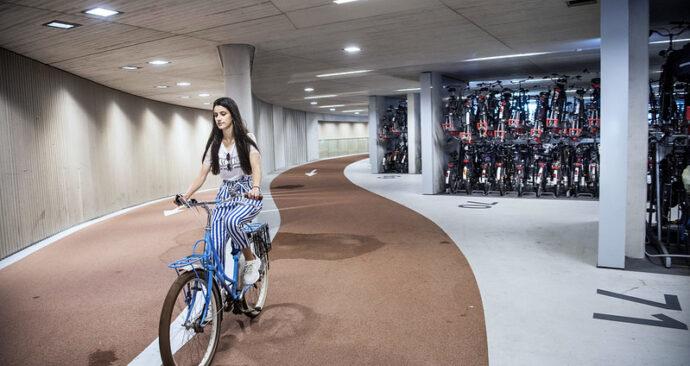 stationsstalling utrecht fiets parkeren