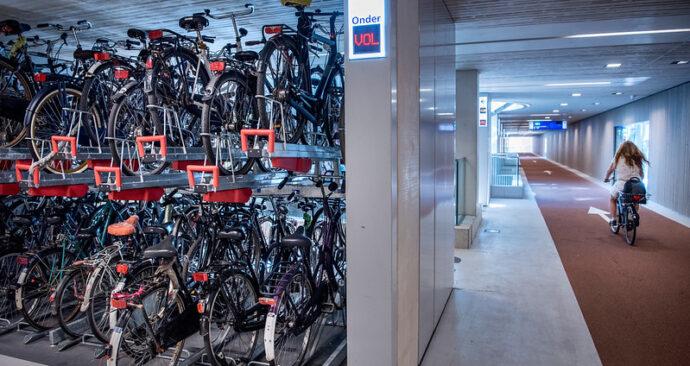 stationspleinstalling Utrecht, te klein?