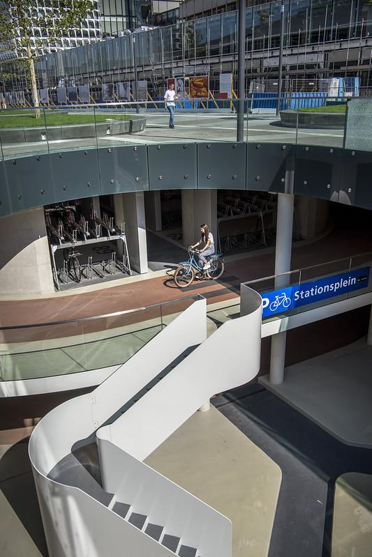 stationspleinstalling Utrecht, grootste stalling ter wereld