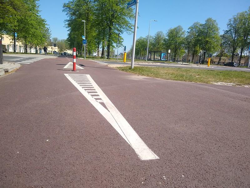 fietspaaltje met ribbelmarkering