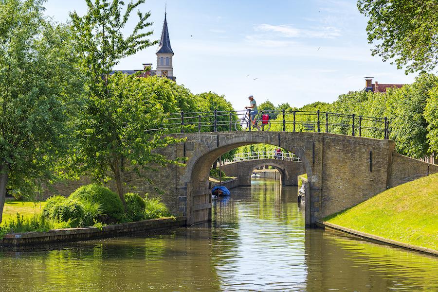 Oude brug in het Friese Sloten