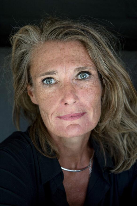 Portret van Esther van Garderen