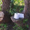 Toiletpapier in het bos