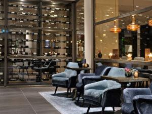 Van-der-Valk-Hotel-Antwerpen-Receptie-Lobby