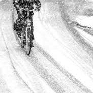 fiets in sneeuw