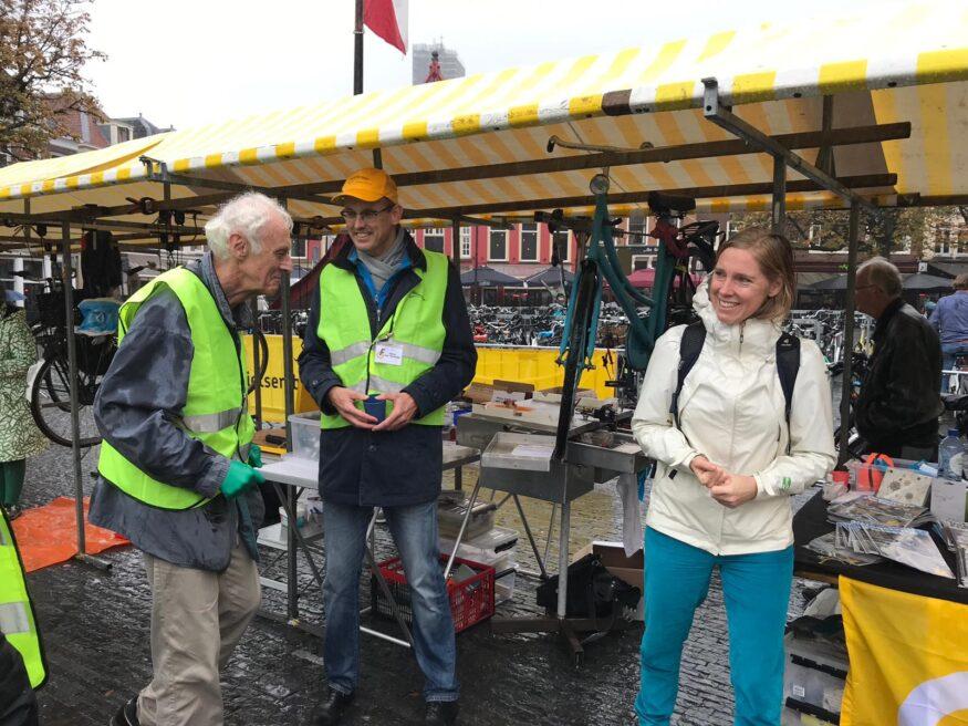 WEthouder van Hooijdonk bedankt de reparateurs