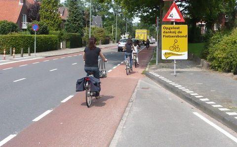 Fietsers op het nieuwe fietspad bij Eugeria
