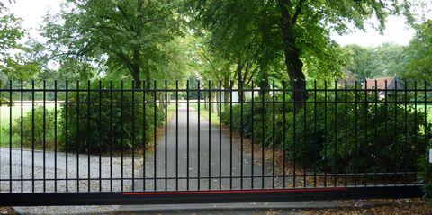 Gesloten hek van het Paradijs