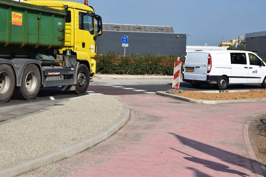 Hoekerweg-laatste-fase-aanleg-rotonde-8klein