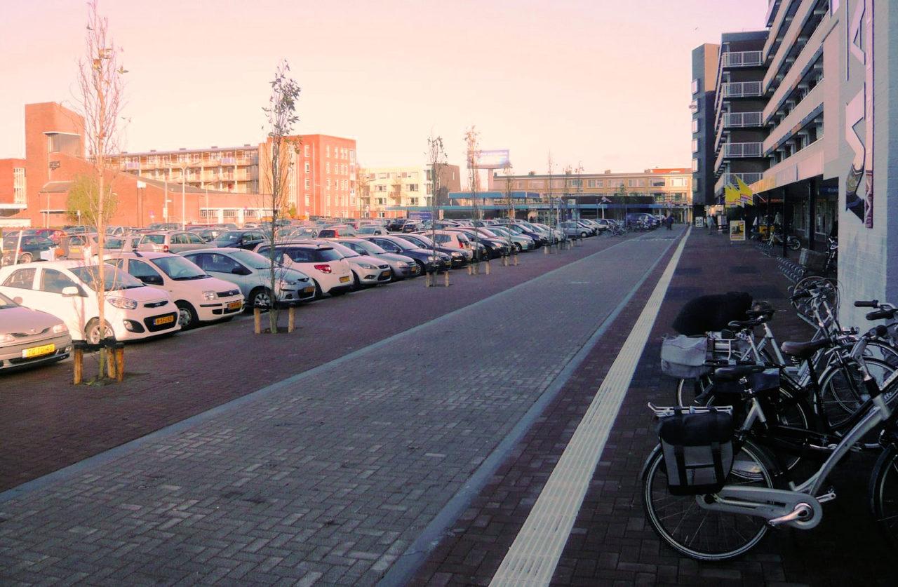 Alblasserdam-Wilgenplein-winkelcentrum-Makado-Fietsersbond-Drechtsteden