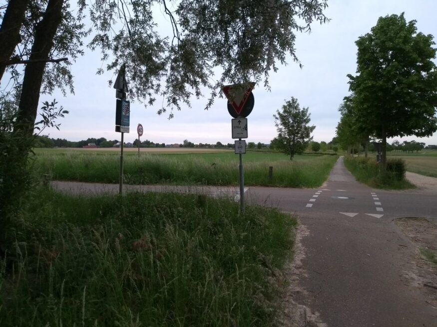 Sibbe Kruispunt Kenkersweg vlak na dodelijk ongeval (foto Manuel Stoffers) (2)