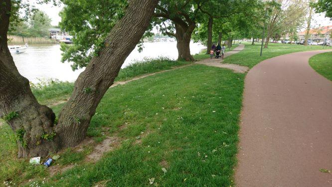 Aansluiting voetpad - fietspad Maastraat