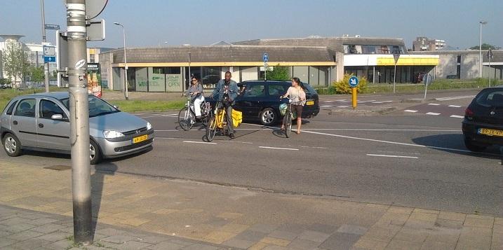 Muntweg gevaarlijke oversteek voor fietsers