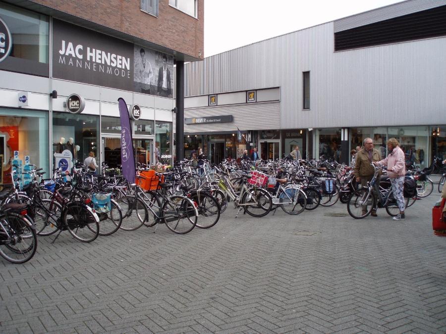 Fietsparkeren Brinkplein