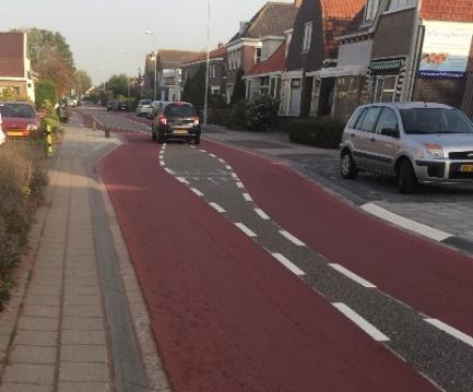 Foto 6: In Oostzaan (NH) krijgen fietsers al wel meer ruimte!