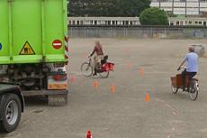 Foto proefopstelling fietsrotonde