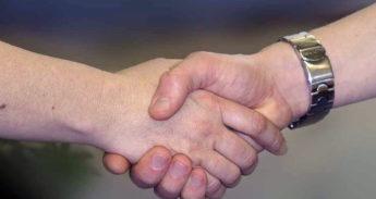 handshake-733239_1280