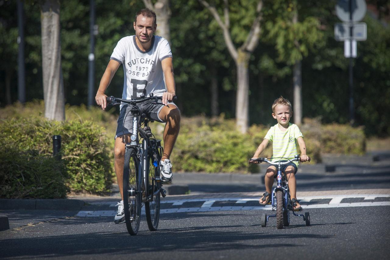 fietsende-schoolkind-01