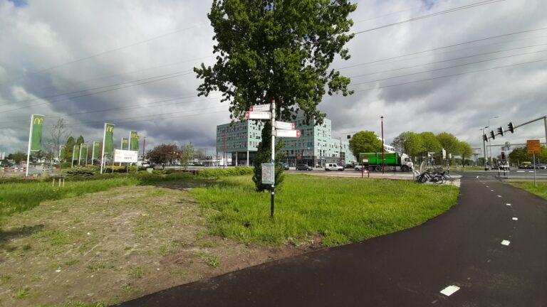 Wegwijzer RavenswadeLaagravenseweg