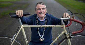 Portret van fietsburgemeester Hennie Kuiper heeft respect voor fietsforenzen