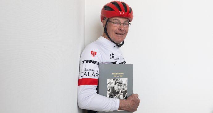Leen Poortvliet (77) is verslaafd aan wielrennen