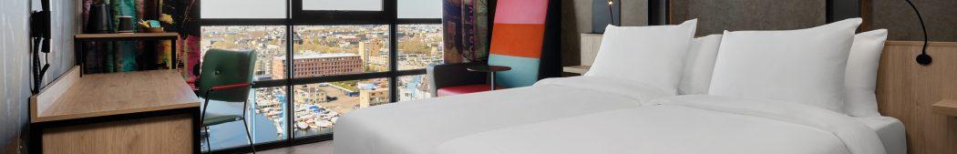 Inntel Hotels Amsterdam Landmark – City Twin Panorama Kamer – uitzicht met panorama raam_